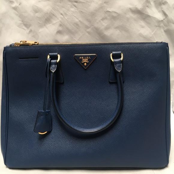 4461e60dd191 Prada Bags | Womens Saffiano Lux Executive Tote Bag 045b | Poshmark